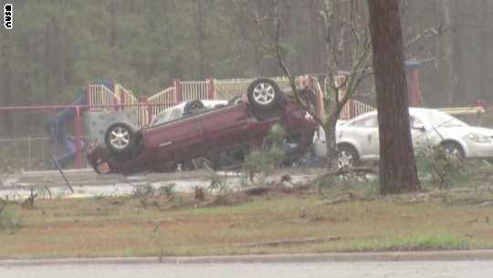 مصرع 11 وإصابة 23 جراء سوء أحوال الطقس بولاية جورجيا الأمريكية