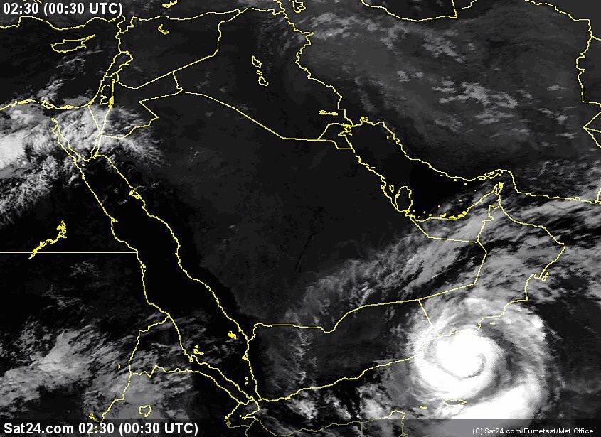 سلطنة عمان استمرار تحرك اعصار مكونو باتجاه سواحل ظفار